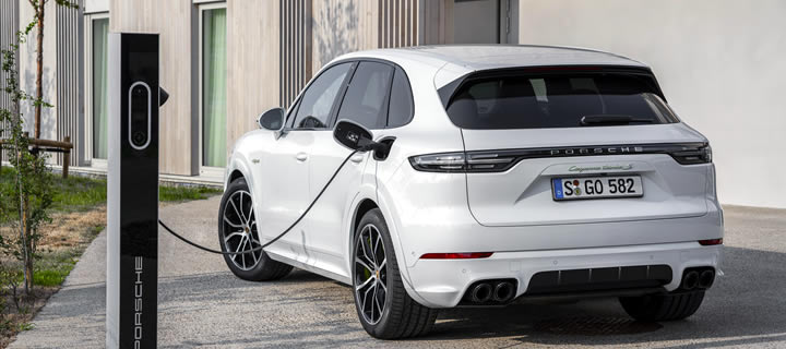 Porsche Unveils Most Powerful Cayenne Ever