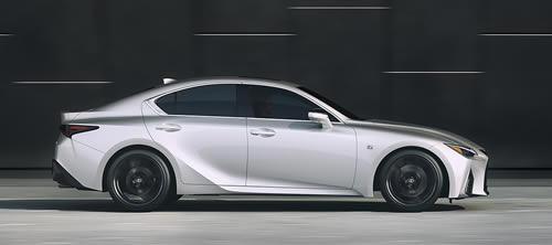 Lexus Premiers New IS